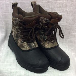 Ozark Trail 3M Thinsulate & Water Resistant Boots